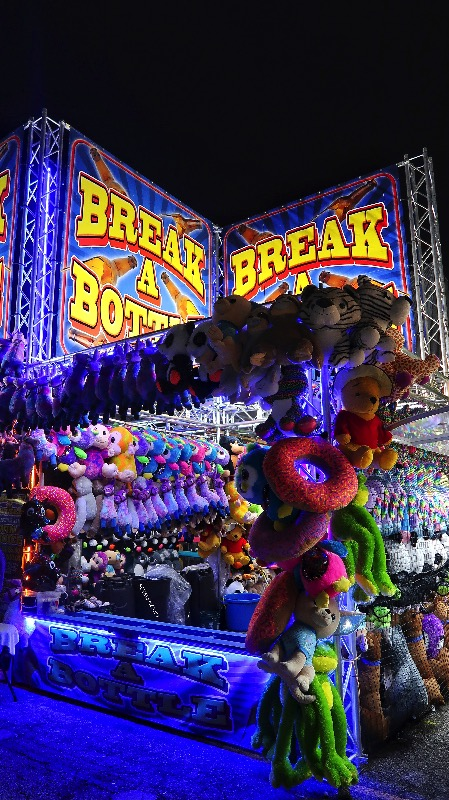 Miami-Dade-Fair-Break-a-bottle-SCVALENZANO