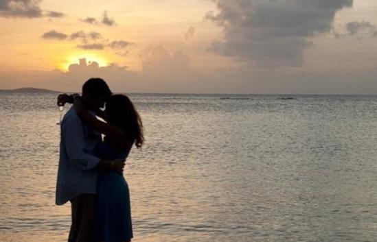 Miami Romance Month photo via instagram @hotelurbanomia